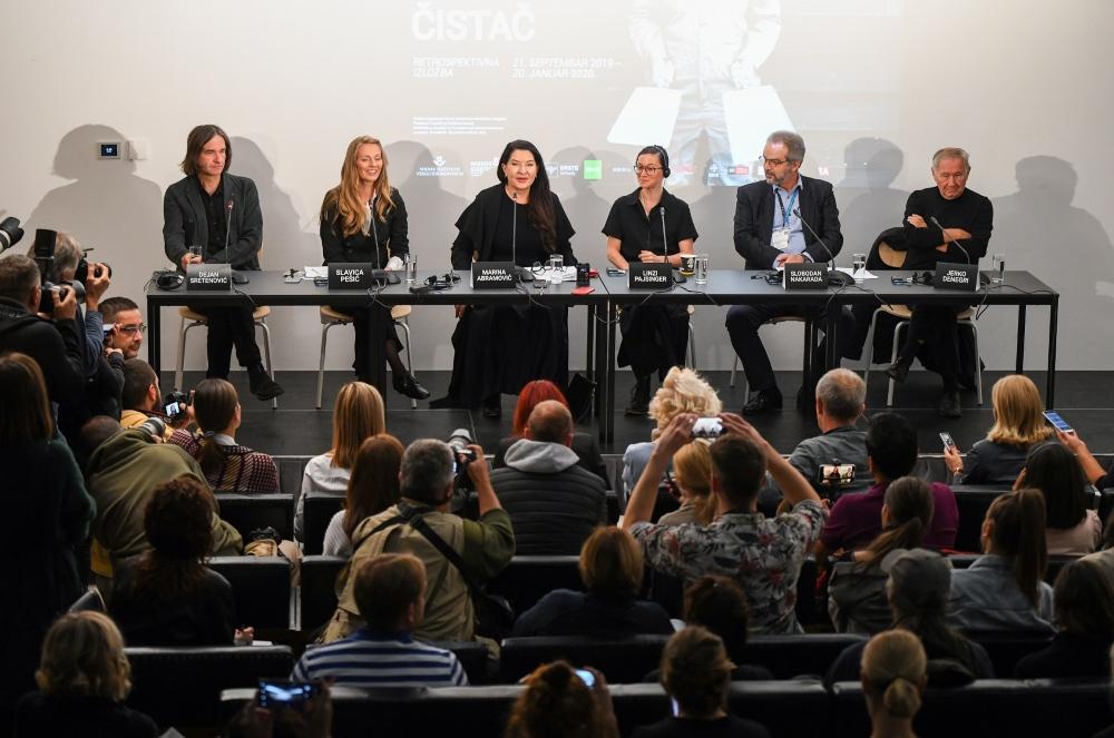 Konferencija za medije 1 Čistač kao metafora za oslobađanje prošlosti, svesti, spiritualnog i fizičkog