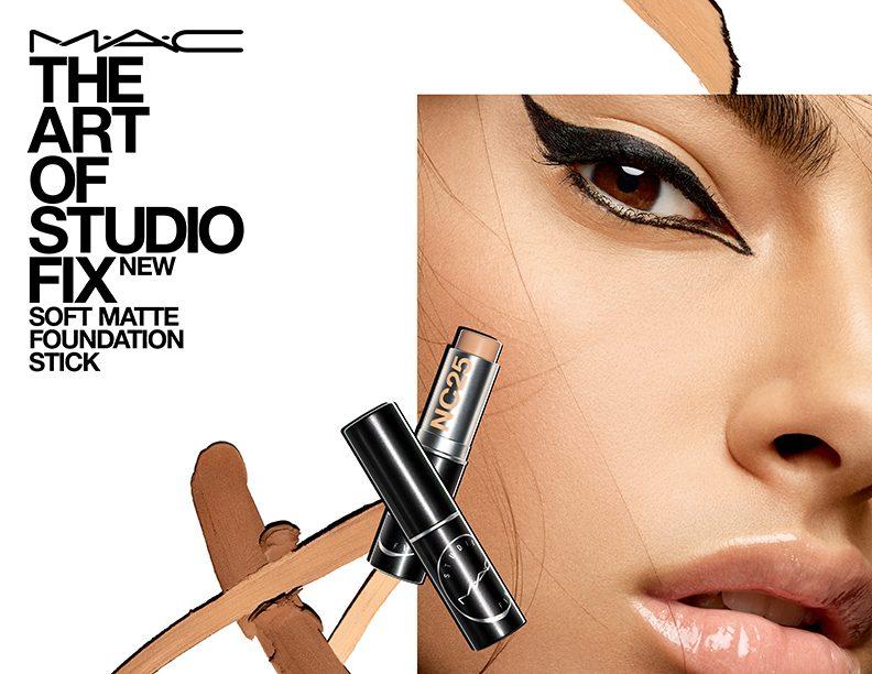 MAC StudioFix Stick Beauty PressAsset 792x612px 300dpi e1568301103392 Legendarni Studio Fix puder konačno je dostupan u stiku!