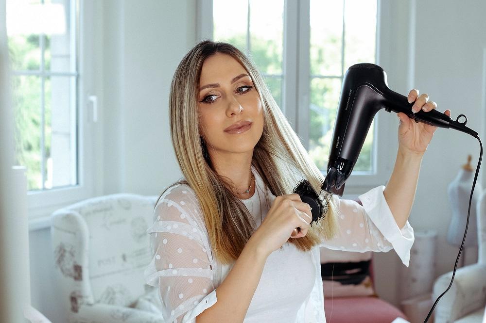 anastasija djuric philips Anastasija Đurić ti otkriva kako da sama stilizuješ kosu kada nemaš vremena za frizera