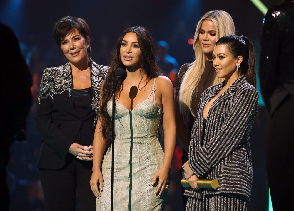 Photo by Christopher Polk E Entertainment NBCU E PEOPLES CHOICE AWARDS Kris Jenner Kim Kardashian Khloé Kardashian Kourtney Kardashian e1573638359156 Kompletna lista dobitnika nagrada E! Peoples Choice Awards 2019.