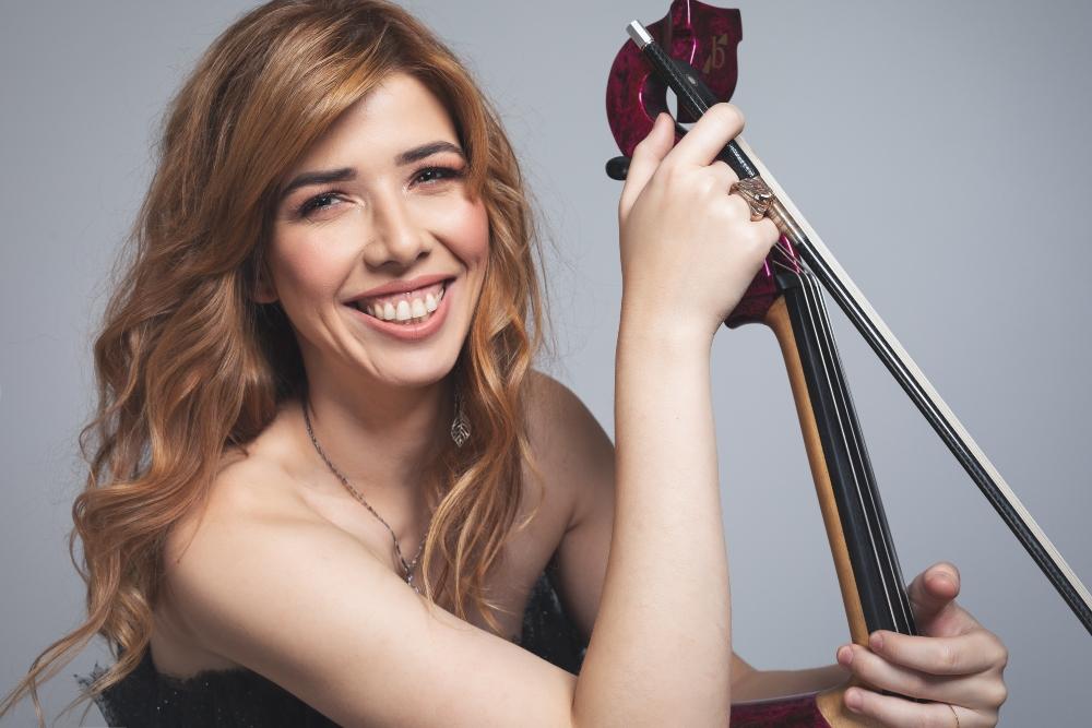 jela wannabe print 5 Jela Cello: Potraga za magičnim violončelom
