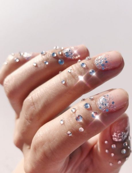 Jesenji nail art trendovi: Od matirano crne do brilijanata