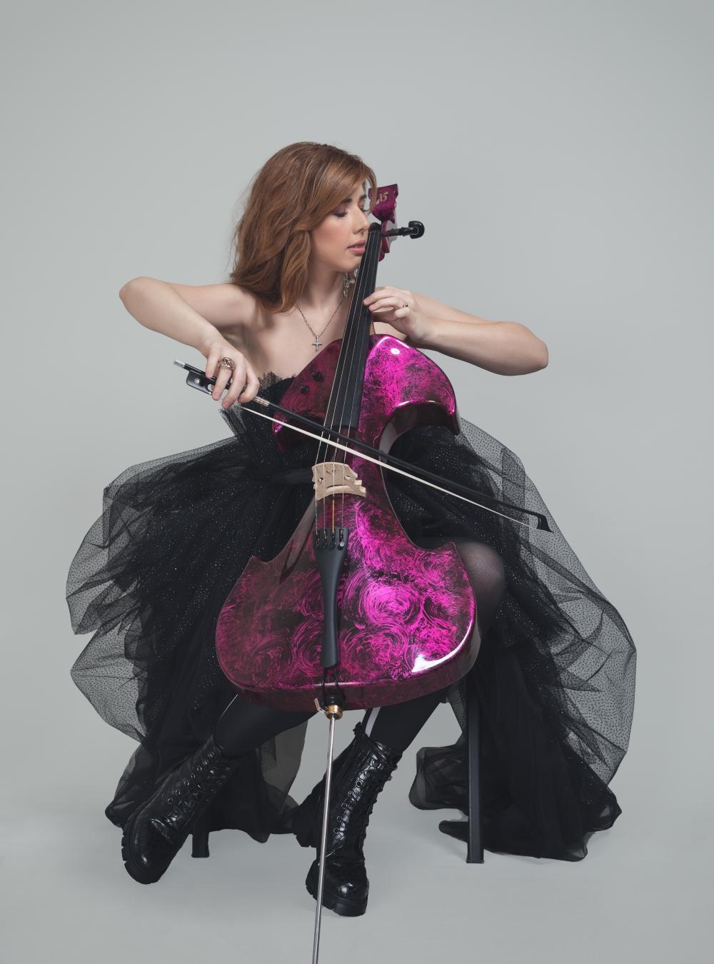 studio64 jela wannabe print 6 Jela Cello: Potraga za magičnim violončelom