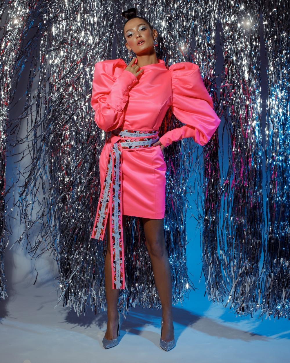 bubble gum haljina Party season is on: Najzabavnije haljine u kojima je dobar provod zagarantovan!