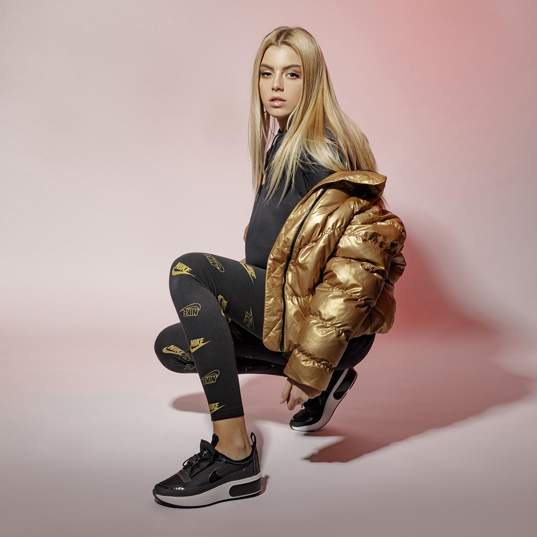 buzz 8 #StylishThrowback: Trendovi iz 90. koje treba da uvrstiš u svoj garderober ove zime