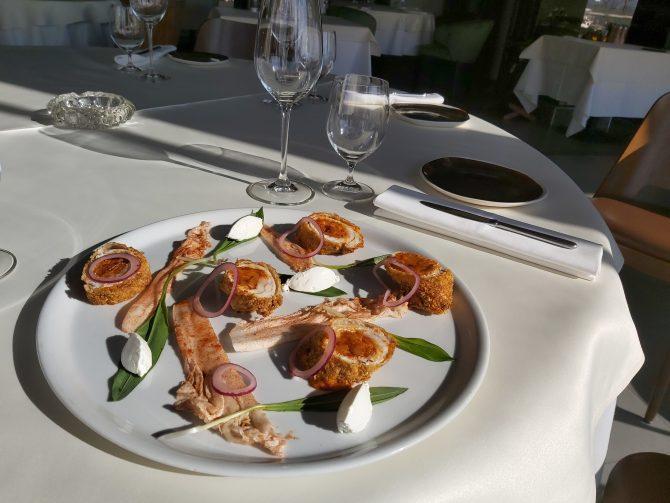 Gijomova hrskava ćuretina s ajvarom i sirom 1 e1584627035922 #kuvajkodkuće: Francuski šef osmišljava recepte za period izolacije