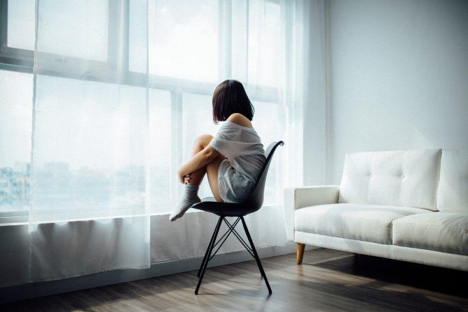 samoća u izolaciji e1585040149529 Singl u samoizolaciji: Kad samoća više nije izbor