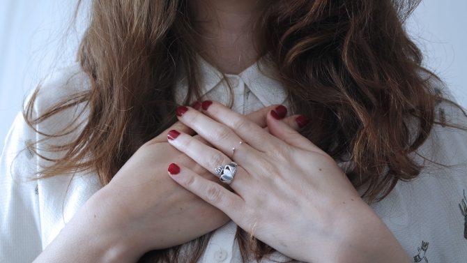 ljubav prema sebi e1587037197468 Prvi korak ka ljubavi prema sebi: Prestani da (se) osuđuješ