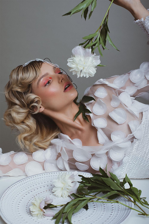 3 2 WANNABE EDITORIJAL: Sogni di un Fiore