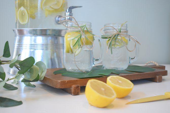 mariah hewines DKD1K3HNq3g unsplash e1598269612425 #lemonwater: Da li zaista utiče na mršavljenje?