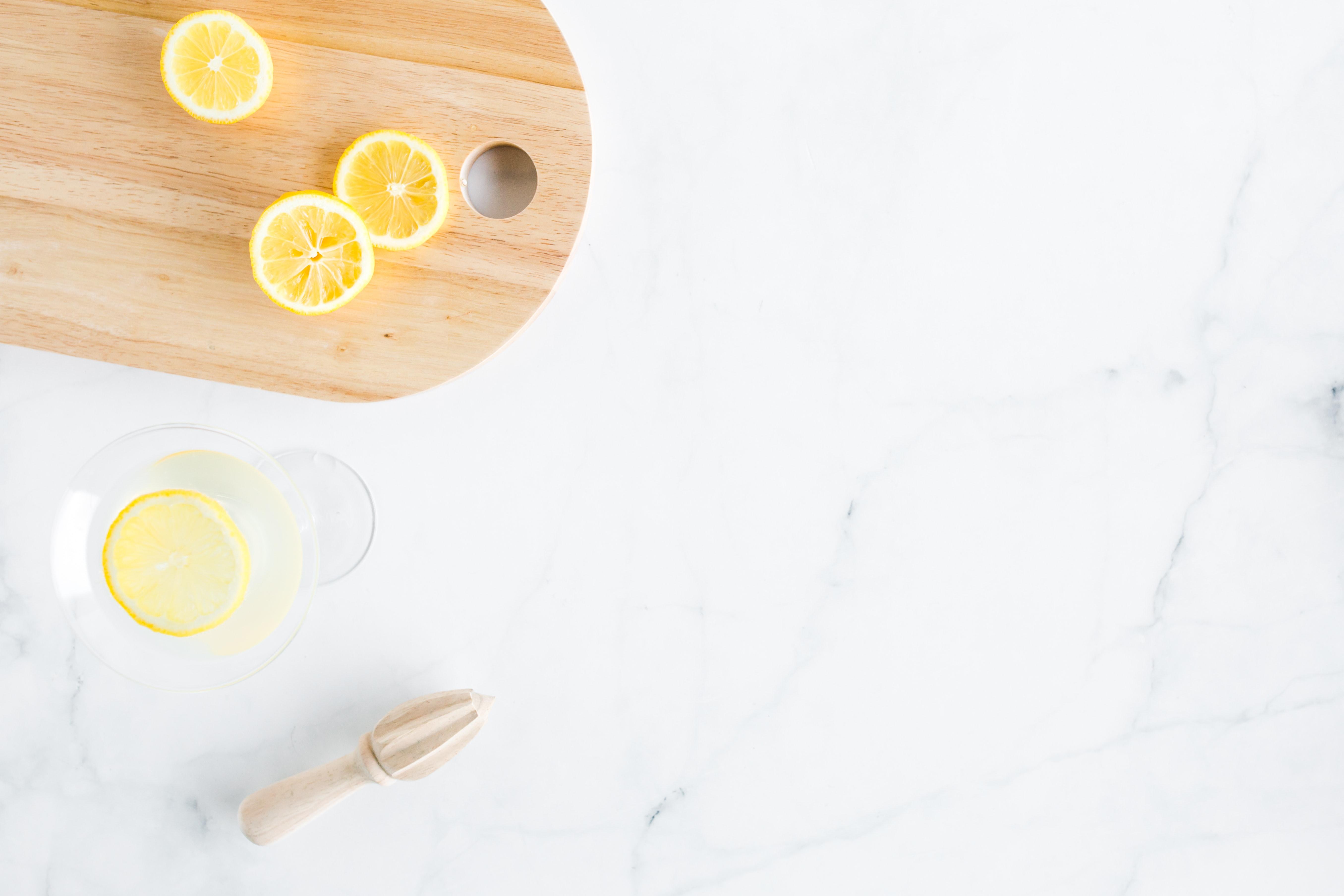 team easil z peIwEwEec unsplash #tipsandtricks: Posvetli sama svoju kosu kod kuće   limunom