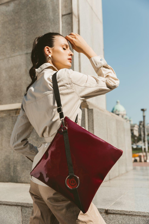 IMG 1086f e1603447349791 Ako vas odlikuje prepoznatljiv identitet   imamo 5 urbanih modela torbi za vas