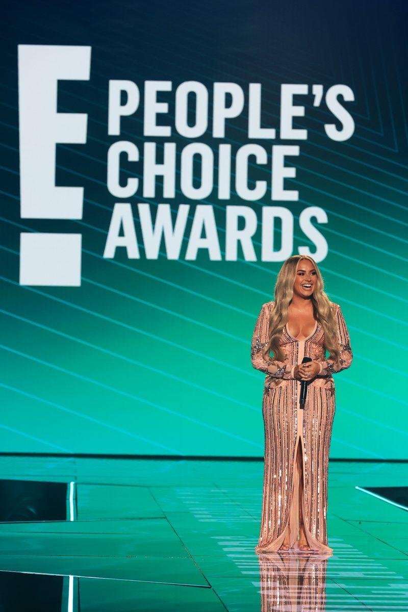 Demi Lovato PHOTO Cristopher Polk E Entertainment NBCU Photo Bank via Getty Images 02 e1605532274687 Proglašeni pobednici 2020 E! Peoples Choice Awards