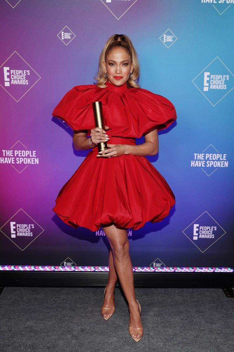 Jennifer Lopez PHOTO Todd Williamson E Entertainment NBCU Photo Bank via Getty Images e1605532495228 Proglašeni pobednici 2020 E! Peoples Choice Awards