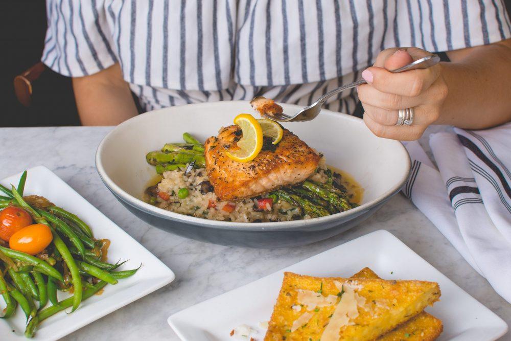 travis yewell xXJciiQAJ Y unsplash scaled e1612133006672 Predstaljamo vam zanimljive i zdrave obroke u kojima ćete uživati