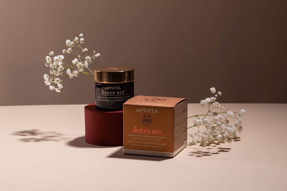 APIVITA7 Beauty trend koji moraš da probaš: Matični mleč u anti age nezi kože