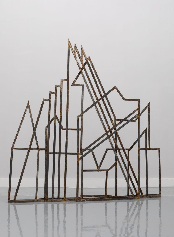 02 Linearna skulptura 01 e1616583635815 Veliki broj skulptura iz različitih faza stvaralaštva Mire Brtke, izložen u Muzeju grada Beograda