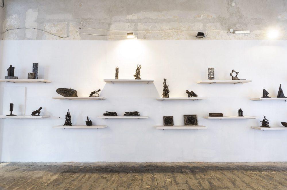 11 Akumulacije izlozbema postavka scaled e1616583747907 Veliki broj skulptura iz različitih faza stvaralaštva Mire Brtke, izložen u Muzeju grada Beograda