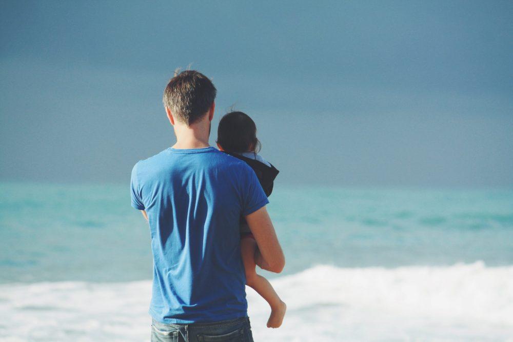 steven van loy oUhSla4L 98 unsplash scaled e1615906383957 Uradili smo anketu o uključenosti tata u brigu o deci i evo koji su rezultati