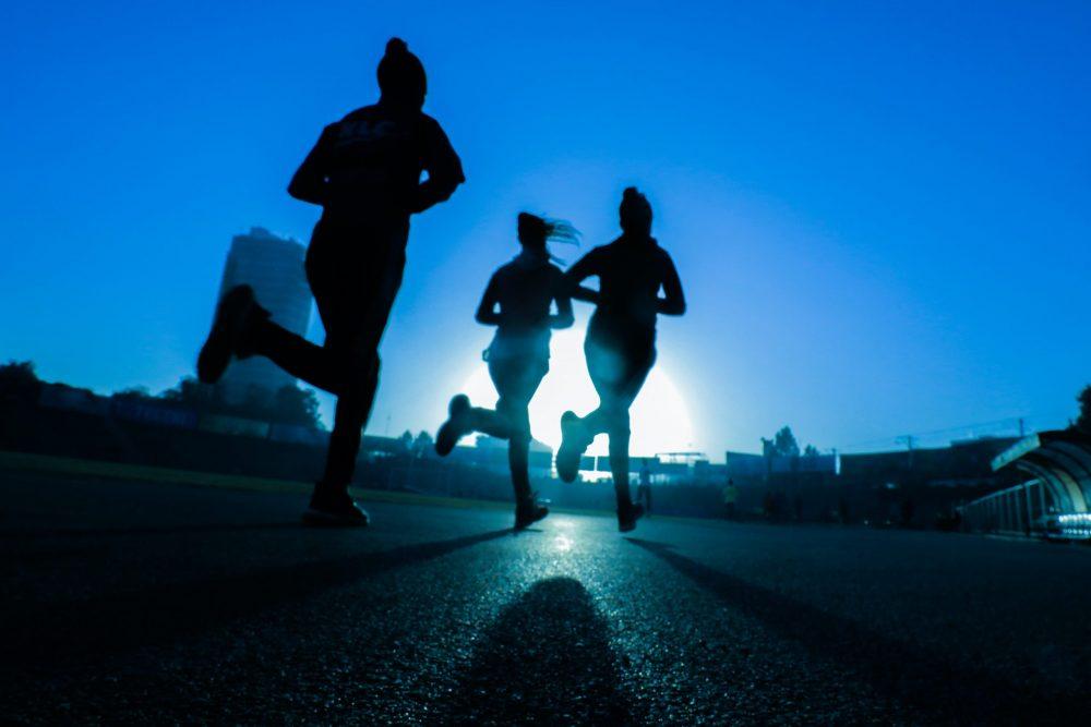 fitsum admasu oGv9xIl7DkY unsplash scaled e1617886455490 Pokrenite se i počnite da trenirate kad vas najviše mrzi, uz ovih 5 saveta