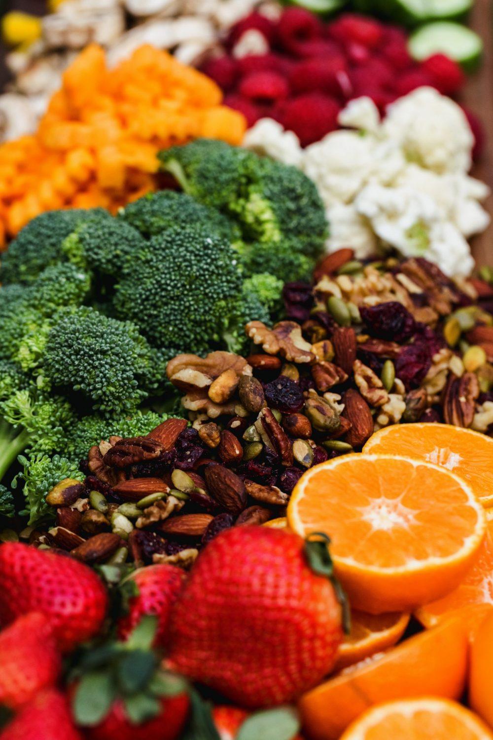 nathan dumlao rWcza92CapI unsplash scaled e1617808786865 Voće i povrće koje ima više vitamina C od narandže