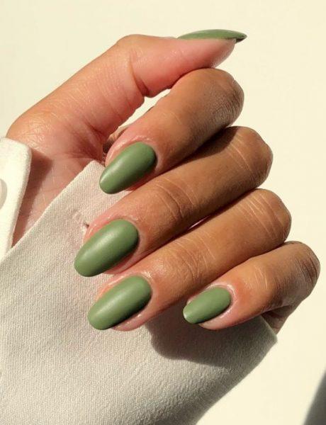 Mat nokti će biti novi jesenji trend, a ovo je 6 predloga kako ih možete nositi