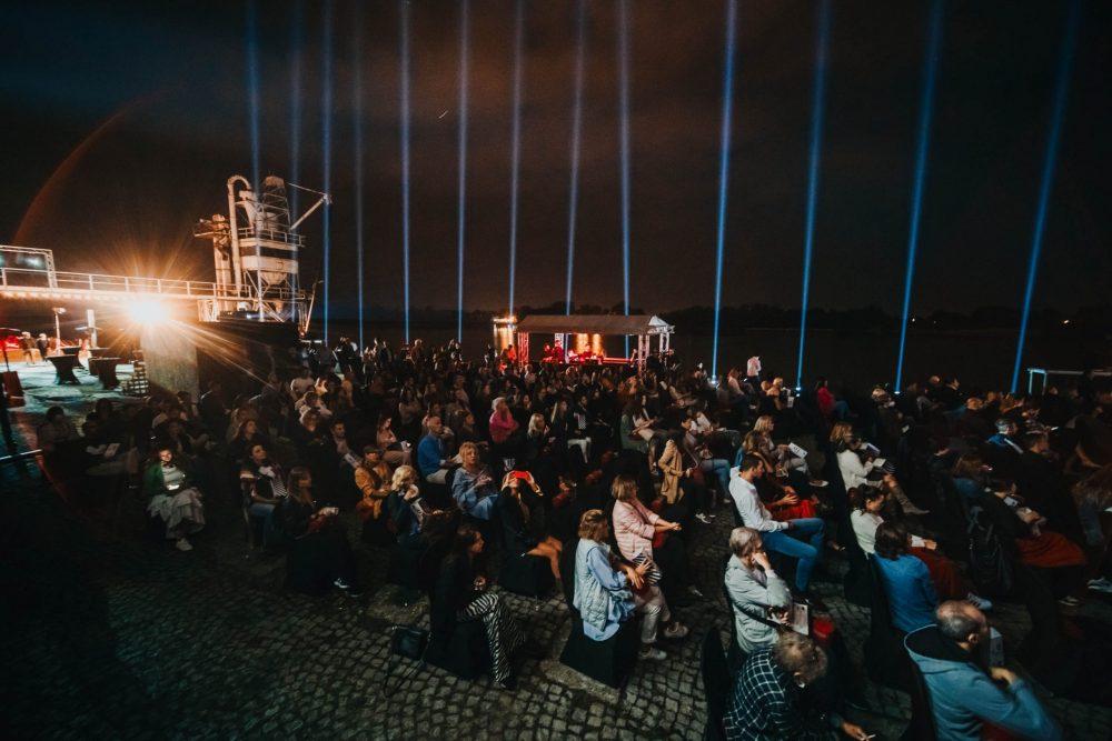 """Projekcija restaurisanog filma Sezona mira u Parizu  scaled e1632212349277 Premijerom digitalno restauriranog filma """"Sezona mira u Parizu"""" najavljen nastavak projekta A1 Kinoteka"""