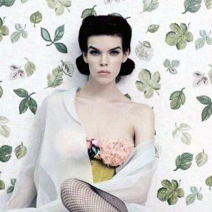 "Meghan Collison za ""Vogue Russia"": Dama iz pedesetih"