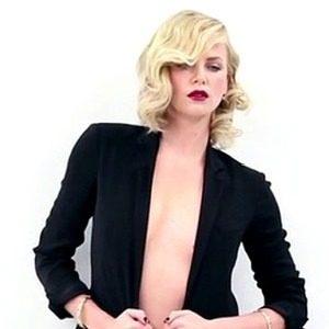 "Modni zalogaji: Zavodljiva Charlize za ""Vanity Fair"""