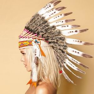 Bershka: Tribal motivi