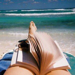 Anketa: Savršena knjiga za julsko izležavanje na plaži