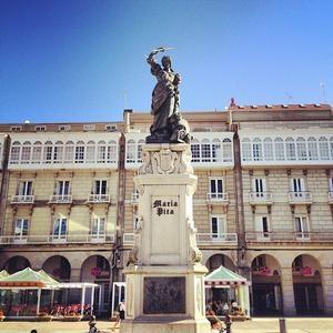 Trk na trg: Plaza Maria Pita, A Coruña