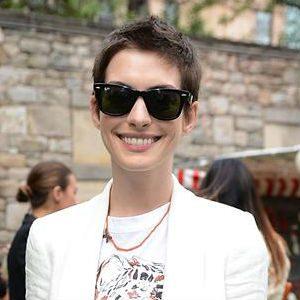 Street Style: Anne Hathaway
