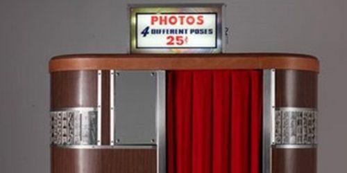 Photoboot za slikanje koji zasmejava