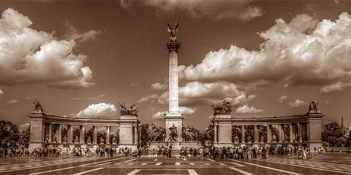 Trk na trg: Hősök tere, Budimpešta