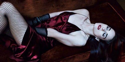 "Modni zalogaj: Misteriozna Winona Ryder za ""Interview"""