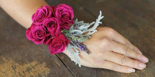 Wannabe Bride: Uradi sam, cvetna narukvica