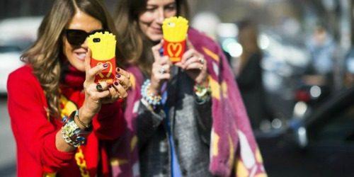 Telefon u rukama trendsetera je obavezan!