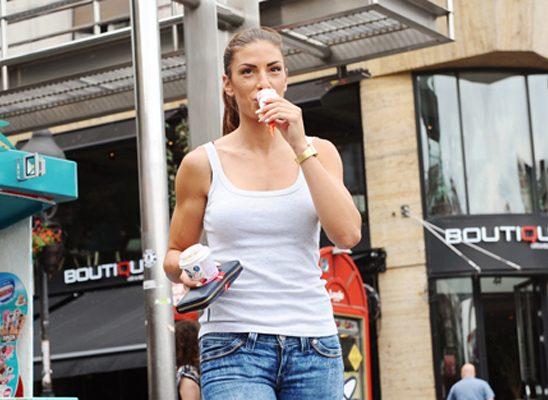 """Poznati se zasladili u Nestlé """"kućici sladoleda"""" na Trgu republike"""