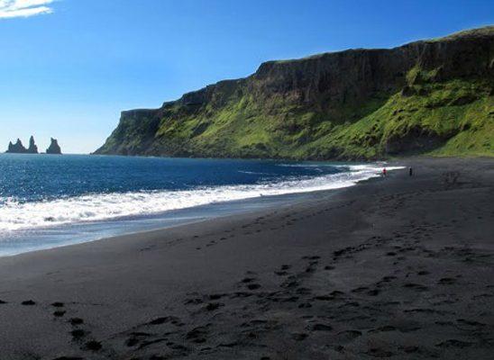 Zadivljujući crni pesak: Plaže iz snova