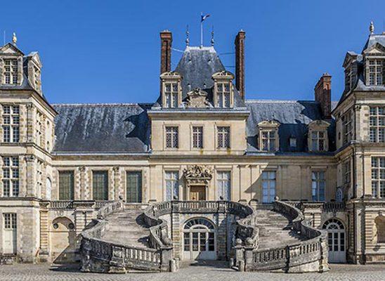 Pet zamkova blizu Pariza koje morate posetiti