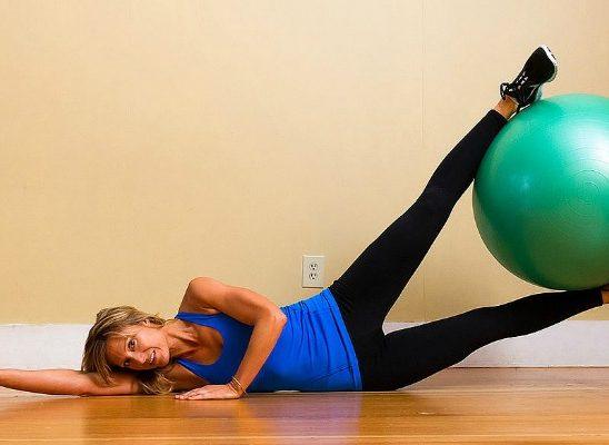 Jednostavne vežbe sa loptom za pilates