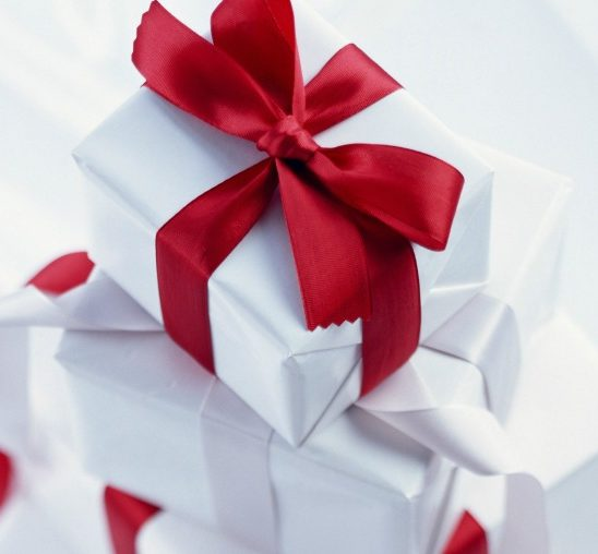 Nagradna igra: Isla pastile poklanjaju čitaocima novogodišnje paketiće!