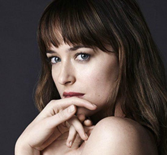 "Zvezda filma ""50 nijansi sive"" na naslovnici magazina ""Vogue"""
