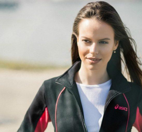 Asics modni predlog: Crna trenerka za lagani trening