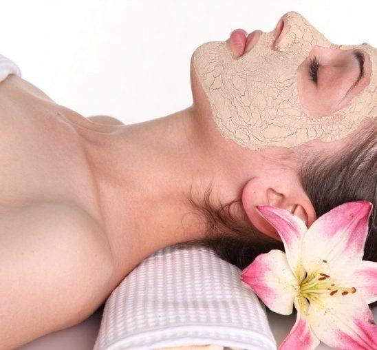 Kako da napraviš 3 maske za lice prema svom tipu kože