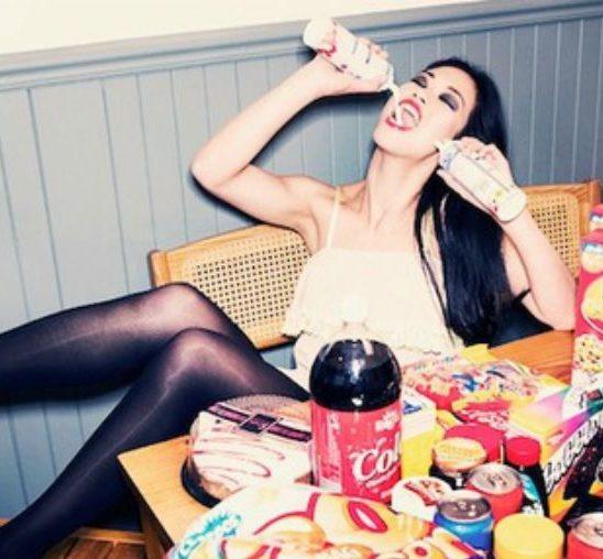 Kako da sprečite prejedanje za vreme PMS-a