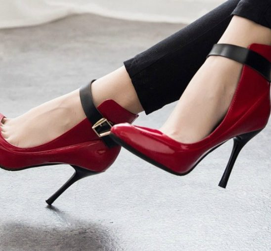 Ako morate da ih nosite, evo kako da PREŽIVITE dan u štiklama