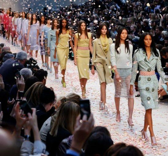 Burberry potpuno MENJA koncept modnih revija