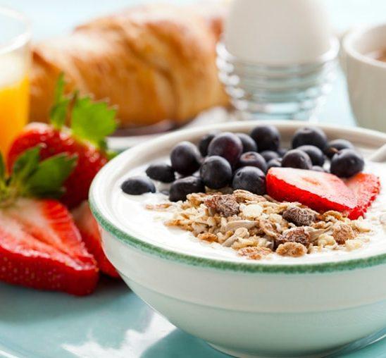 Zašto je važno da NE PRESKAČETE doručak?